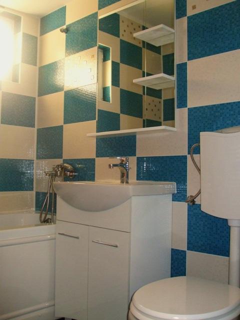 Mobilier baie alba, lavoar oglinda baie